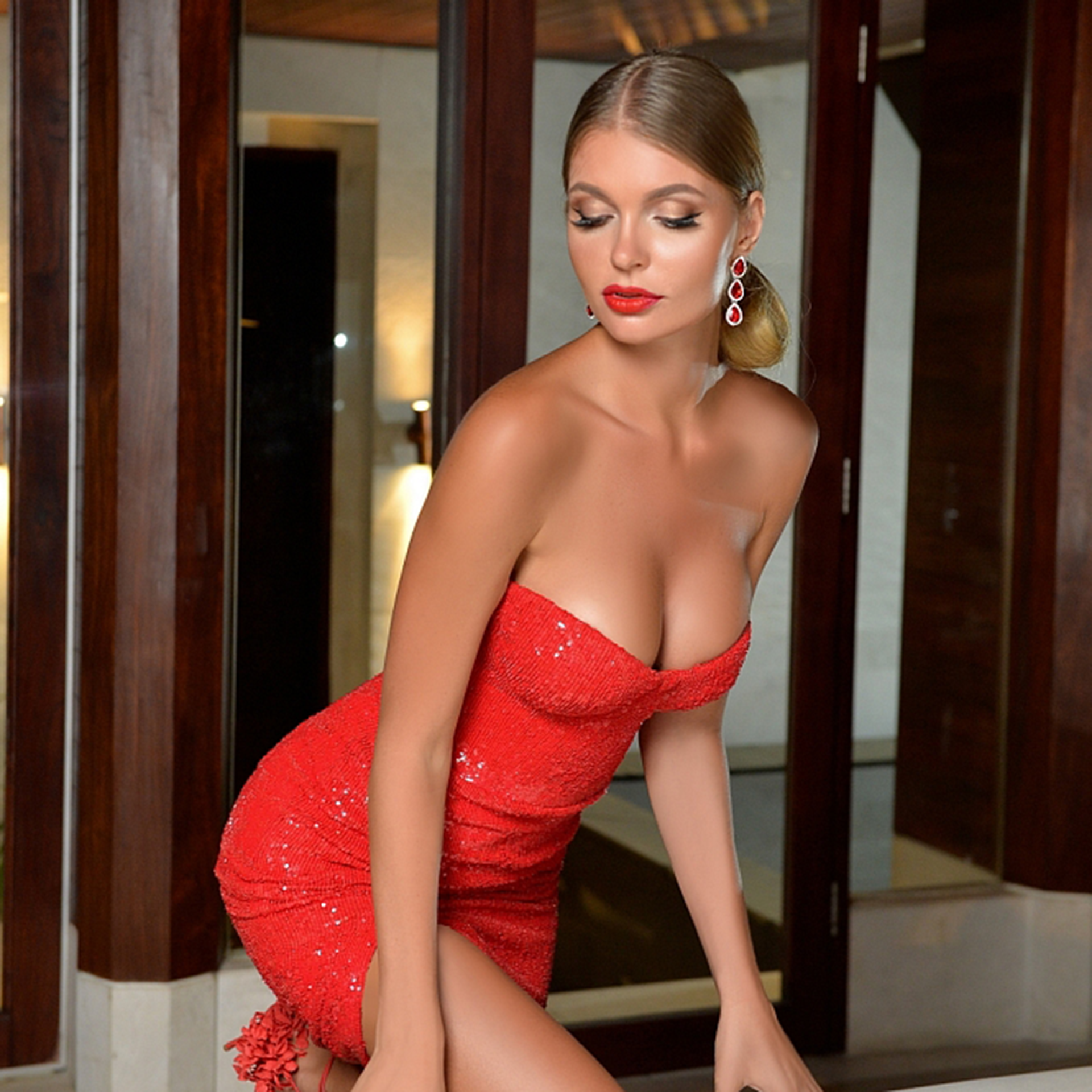 Upscale model Anna provides elite service in Palm Beach, FL
